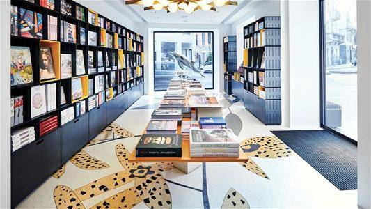 INTERIOR DESIGN BOOKSTORE