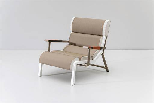 OUTDOOR CHAIR DESIGNED BY PATRICIA URQUIOLA