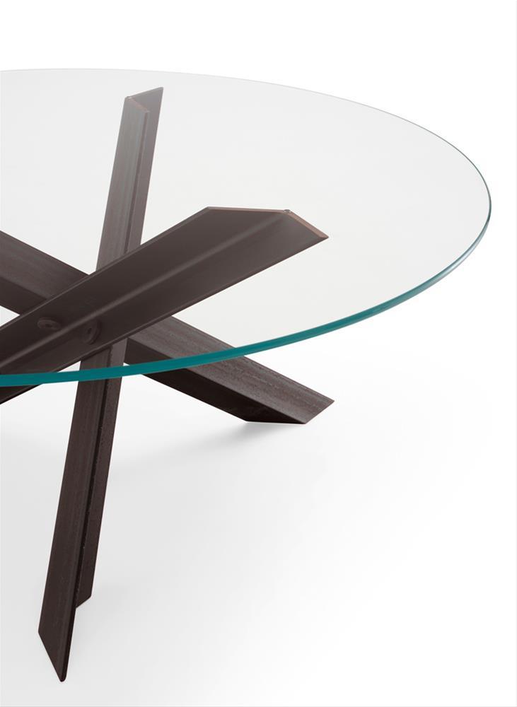 I tavoli di design, icone senza tempo