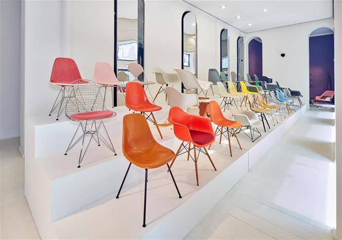 Vitra fuorisalone 2019 Milan Sag80 showroom Installation exhibition Eames chairs